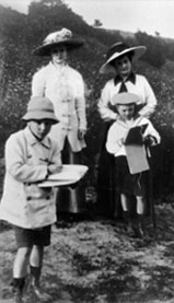 Helena Roerich with her sons and governess, 1913